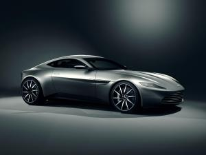 Spectre Aston Martin to go under the hammer