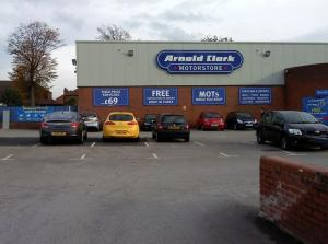 Arnold Clark to offer 100 new car mechanic jobs