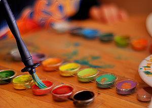 Redundant art supplies shop worker opens new store